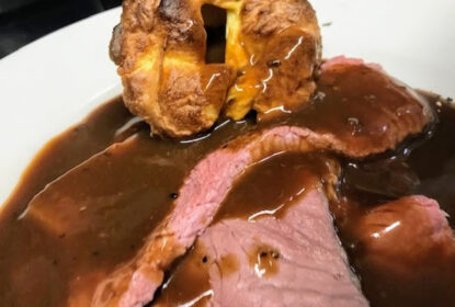 roast beef with yorkshire pudding and gravy